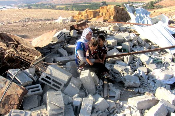 """ח'רבת חומסה, בקעת הירדן, אוגוסט 2015. צילום: עארף דרארמה, """"בצלם"""""""
